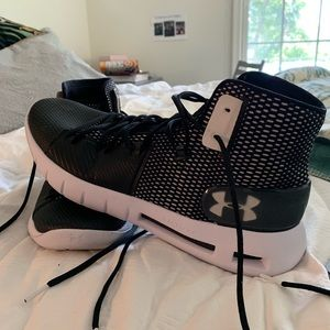 Under Armour Mens Basketball Shoes